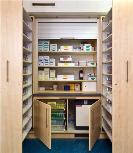 Medikamentenstadion mit Kühlschrank